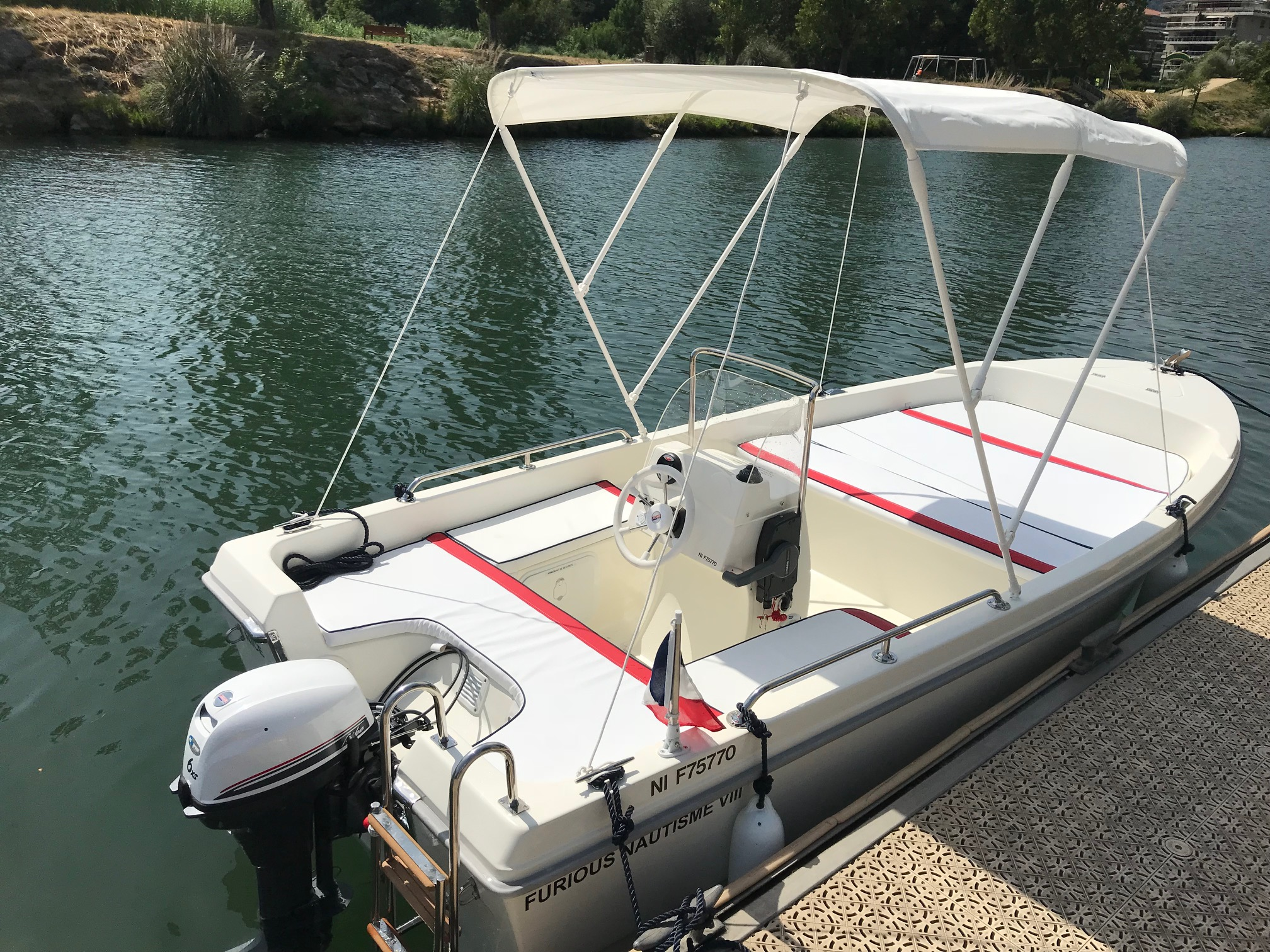 License-free boat - Half-day rentals
